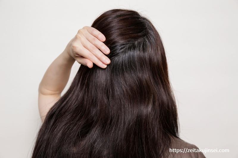 ブラトリ(エメリル ブラックデュアルトリートメント)の使用前の後ろ髪の白髪染め効果